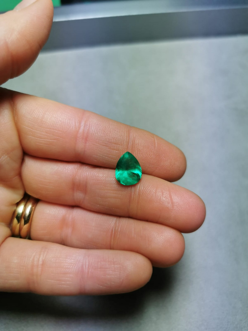 3,11ct  Colombian Natural Emerald Ref 17/21A Colombian Emerald natural emer
