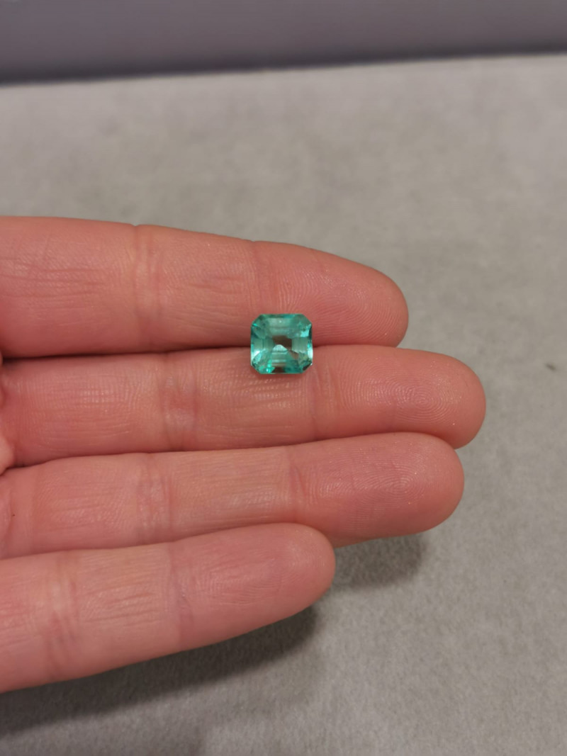 3,25ct  Colombian Natural Emerald Ref 18/21A Colombian Emerald natural emer