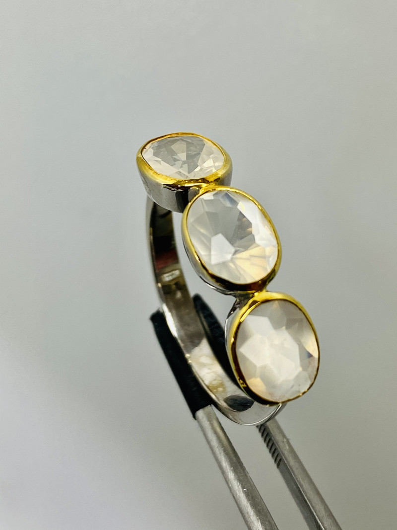 MOONSTONE- CEYLON-RING Silver FROM COLLECTOR- UNUSED!