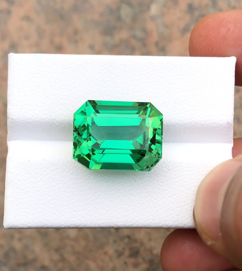 16.90 Ct Natural Green Transparent Kunzite Gemstone