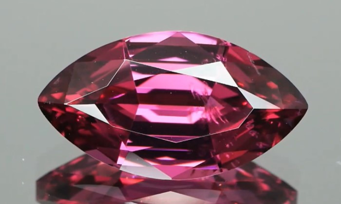 Beautiful Grape Spinel 3.62cts Marquise