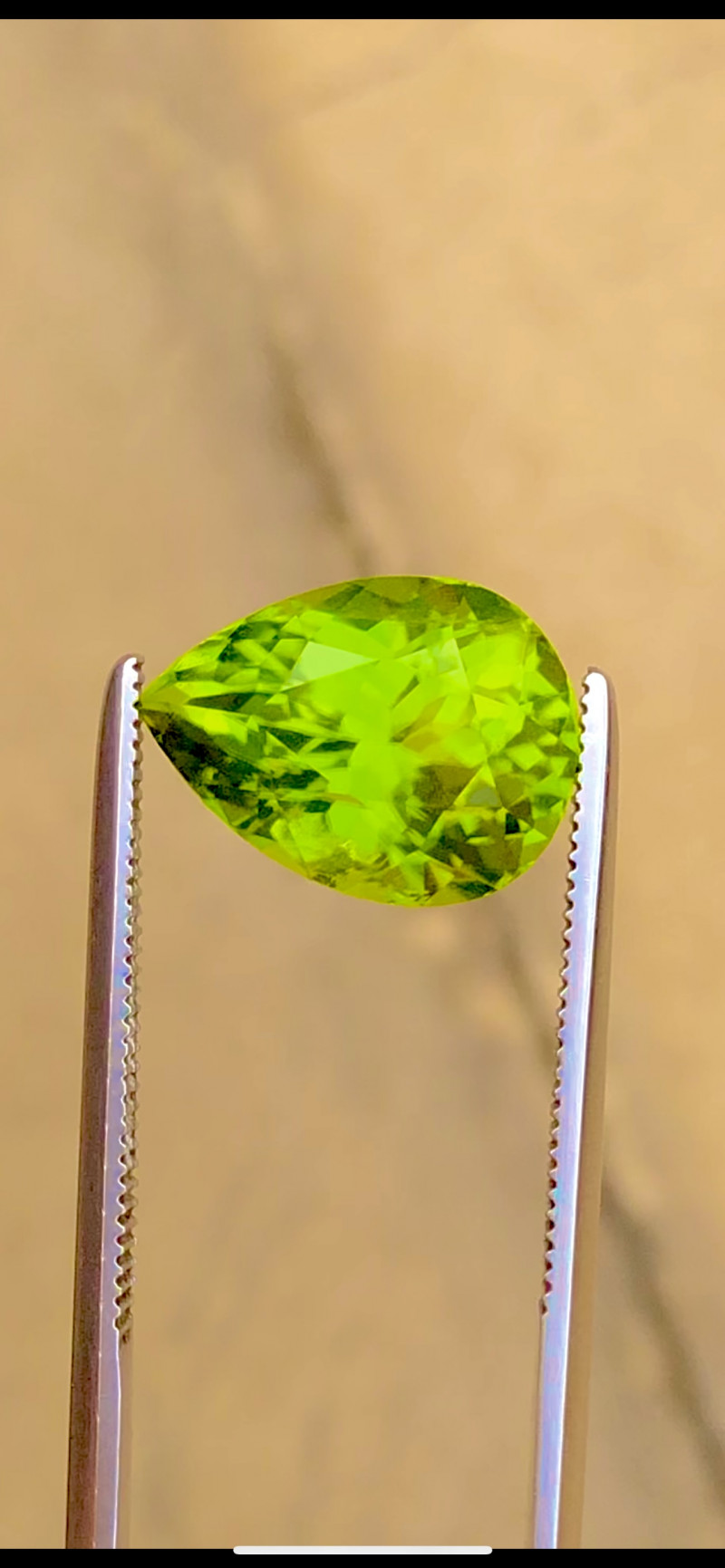 Parrot Green Color 5.10 Ct Natural  Top Quality Peridot
