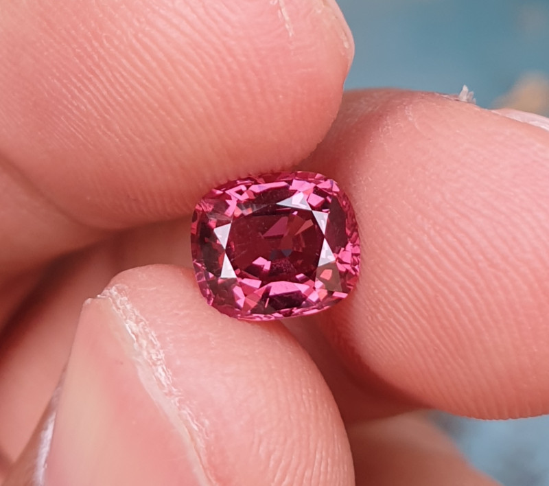 NO TREAT 1.67 CTS NATURAL STUNNING HOT PINK SPINEL FROM BURMA