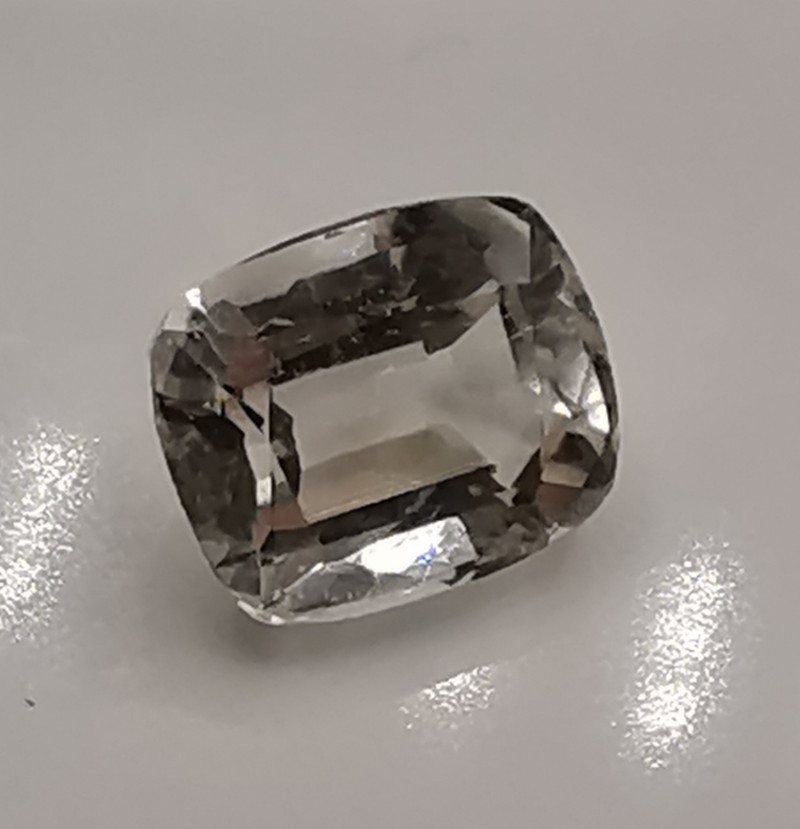 Topas, 4.62ct, well cut, great gem for jewelry or to collect!