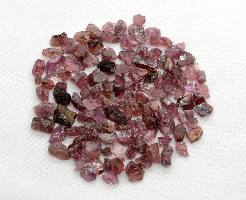 150 CT Natural Top Quality Rough Garnet @Africa