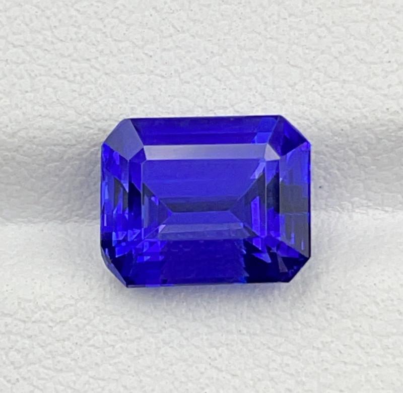 3.77 CT Tanzanite Gemstone top luster with fine Cutting