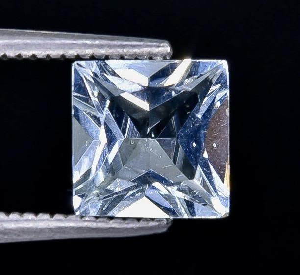 1.37 Crt Aquamarine Faceted Gemstone (Rk-9)