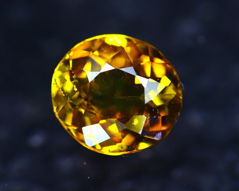 Sphene 1.64Ct Natural Rainbow Flash Chartreuse Green Sphene D0518/A51