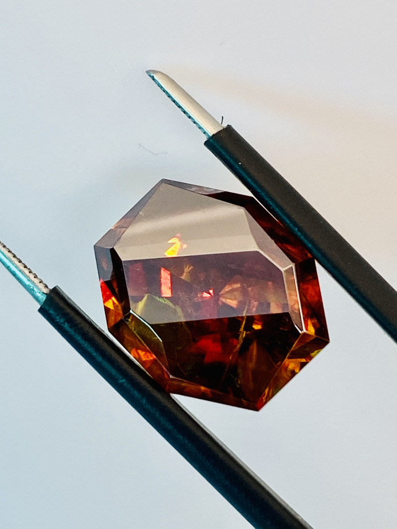 SPHALERITE- RARE- BEST GEMSTONE FOR JEWELRY BECAUSE OWNS ALL THE COLORS IN