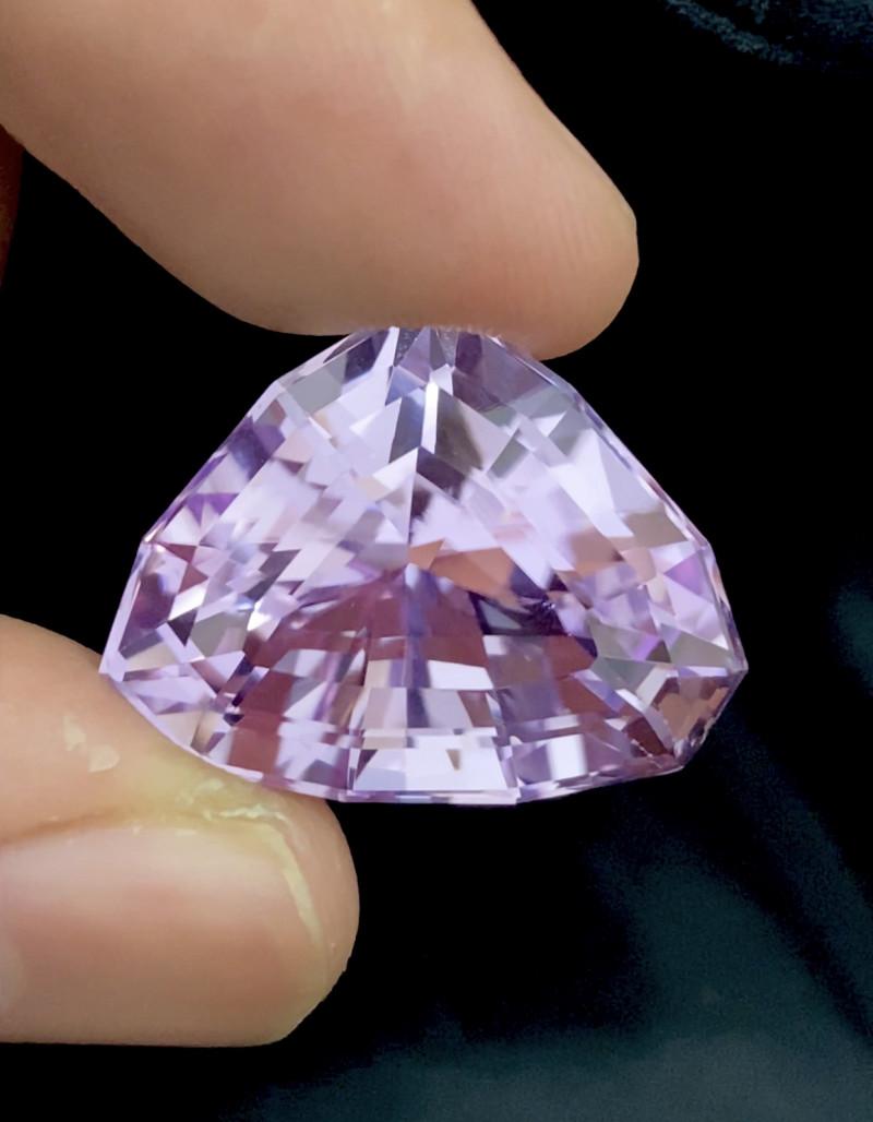 40.10 Carat Natural Pink Outstanding Cut Kunzite Gmestone