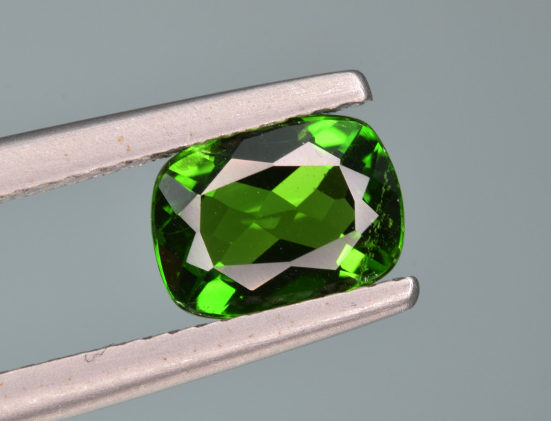 Natural  Green Chrome Diopside 1.46  Cts