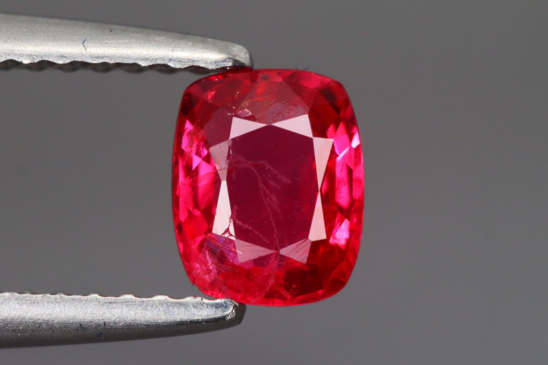 0.715 CT SPINEL  BLOOD RED 100% NATURAL UNHEATED MINE BURMESE