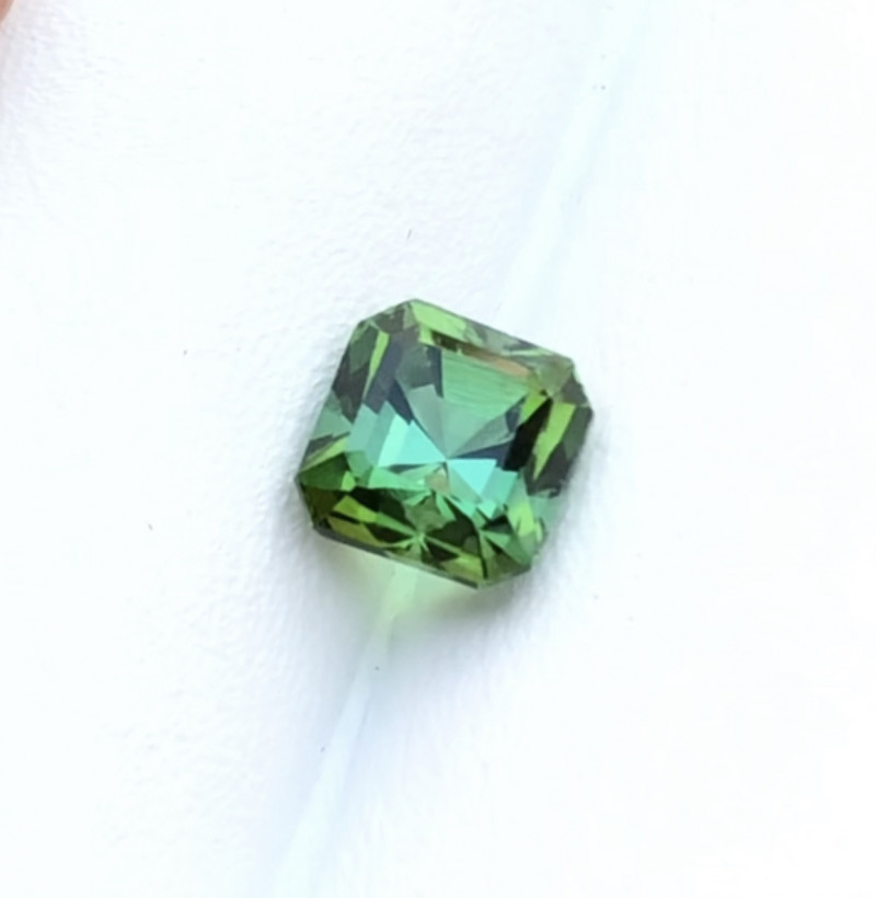 1.65 Carats Natural Bi Color Tourmaline Cut Stone from Afghanistan