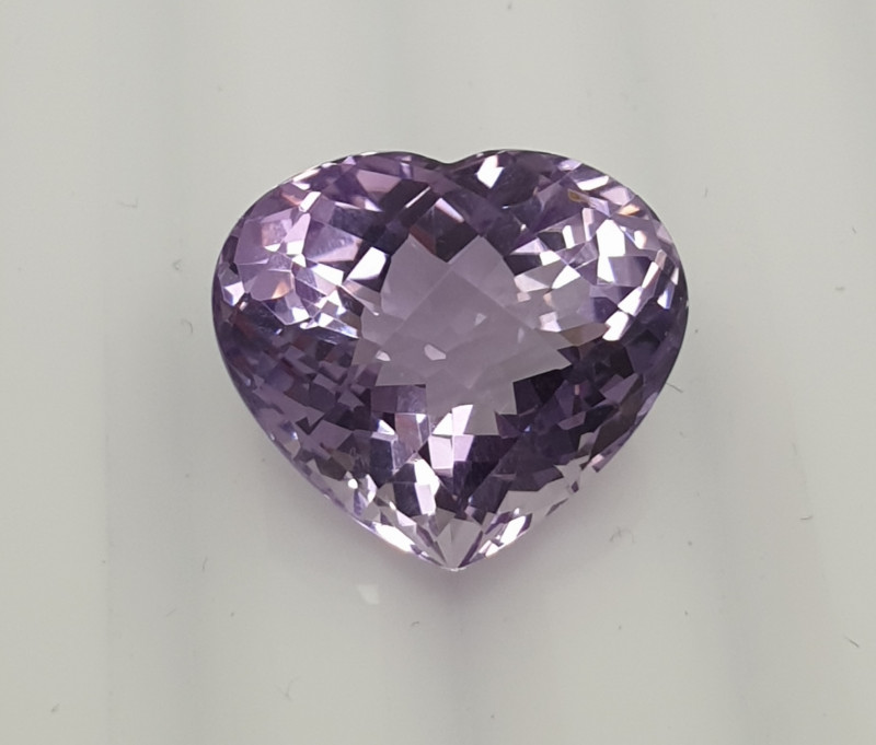 Amethyst Faceted Heart 14.2x16.3mm.-(12.41ct).-(SKU 259)