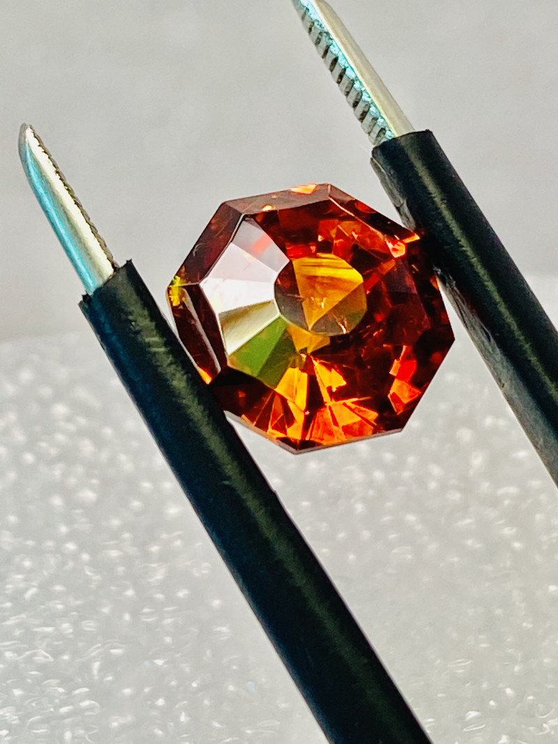 4 ct SPHALERITE- RARE- BEST GEMSTONE FOR JEWELRY BECAUSE OWNS ALL THE COLOR