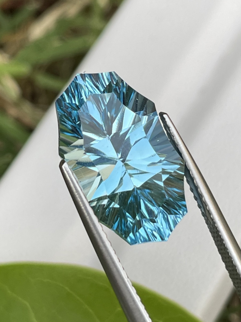 11.66 Cts Master Cut Top Quality Natural Blue Topaz
