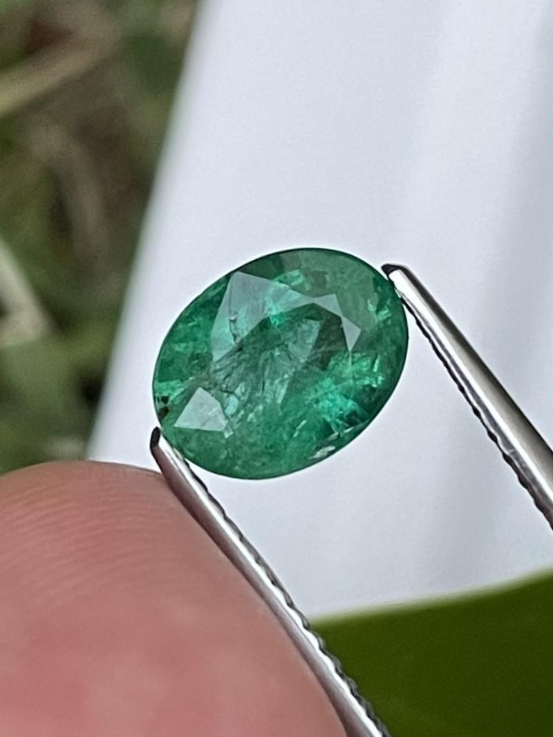 1.50 Cts Vivid Green AAa Grade Natural Zambian Emerald