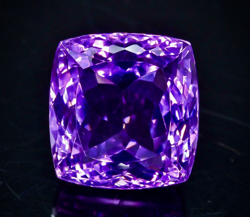 32.68 Crt Natural Amethyst Faceted Gemstone.( AB 30)