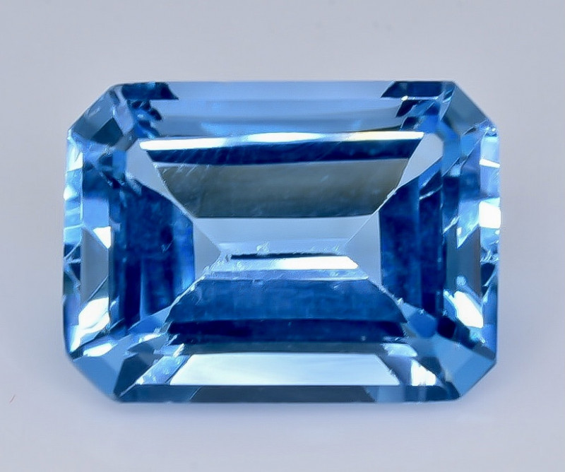 12.35 Crt Topaz Faceted Gemstone (Rk-21)