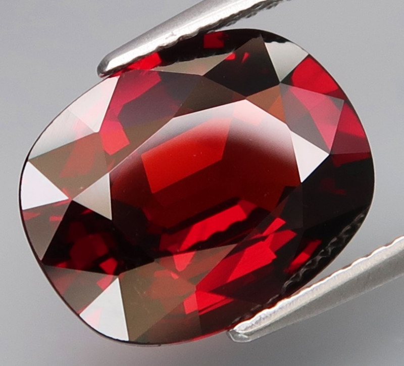 6.41 ct. Natural Earth Mined Spessartite Garnet Africa
