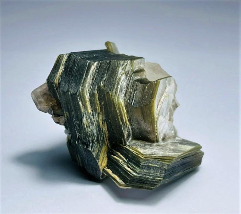Amazing Natural color Damage free Apatite combine with Mica specimen  122Ct