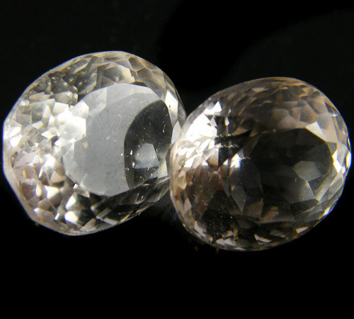 PAIR 2 PCS CHAMPAGNE HUE FACETED TOPAZ  14.5 CTS  ST 703
