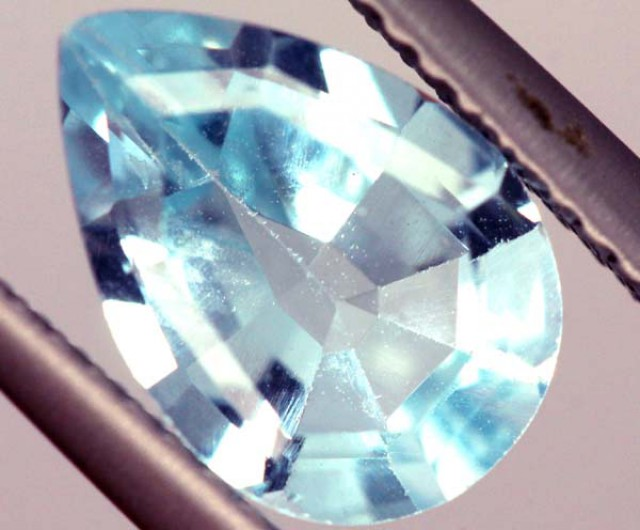 SWISS BLUE TOPAZ FACETED   IRRIDATED 2CTS  ADG-734
