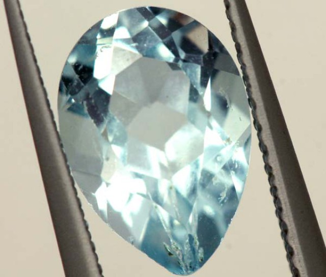SWISS BLUE TOPAZ FACETED   IRRIDATED 2.4CTS  ADG-774