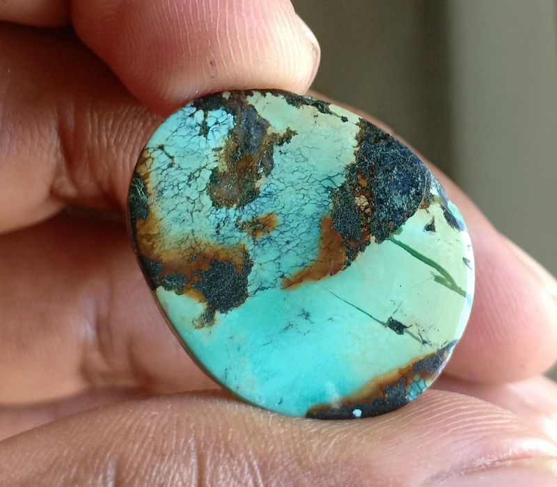 Huge Tibetian Turquoise 100% NATURAL AND UNTREATED VA530