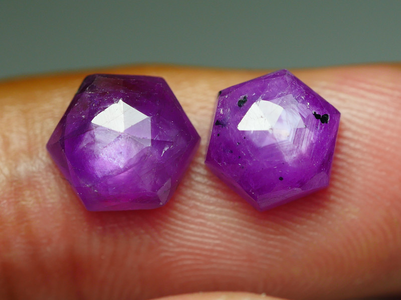 6.105 CRT PAIR BEAUTIFUL FACETED AMAZING MADAGASCAR RUBY -