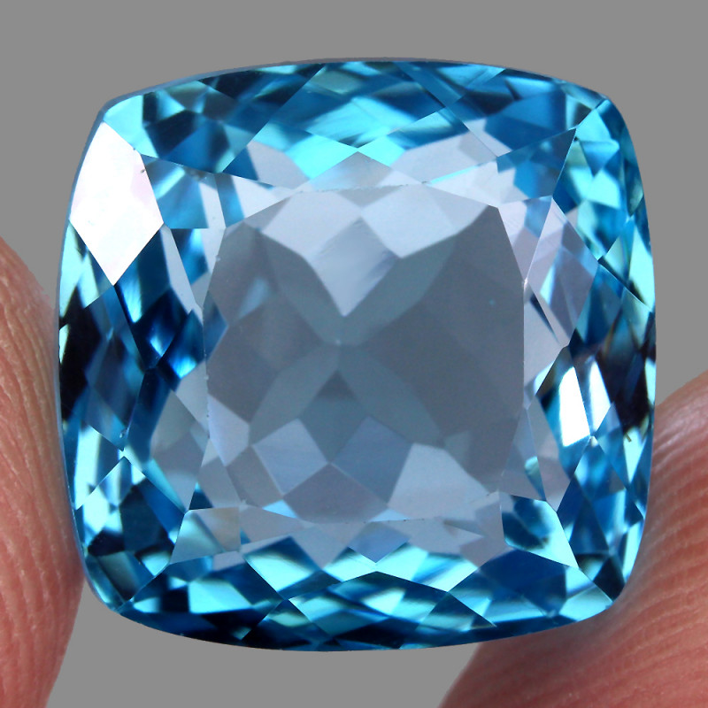 28.17 ct. 100% Natural Earth Mined Top Quality Blue Topaz Brazil