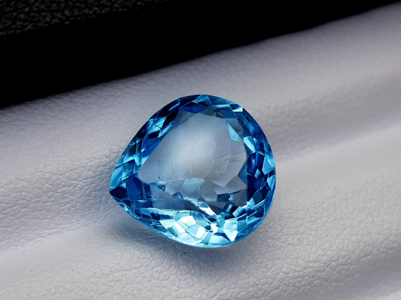 8.15Crt Blue Topaz Natural Gemstones JI72