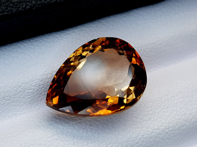 10.45Crt Topaz Natural Gemstones JI72