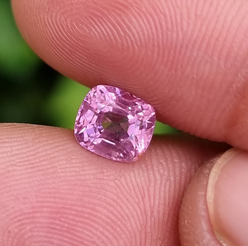 NO TREAT 1.56 CTS NATURAL STUNNING PINK SPINEL FROM BURMA