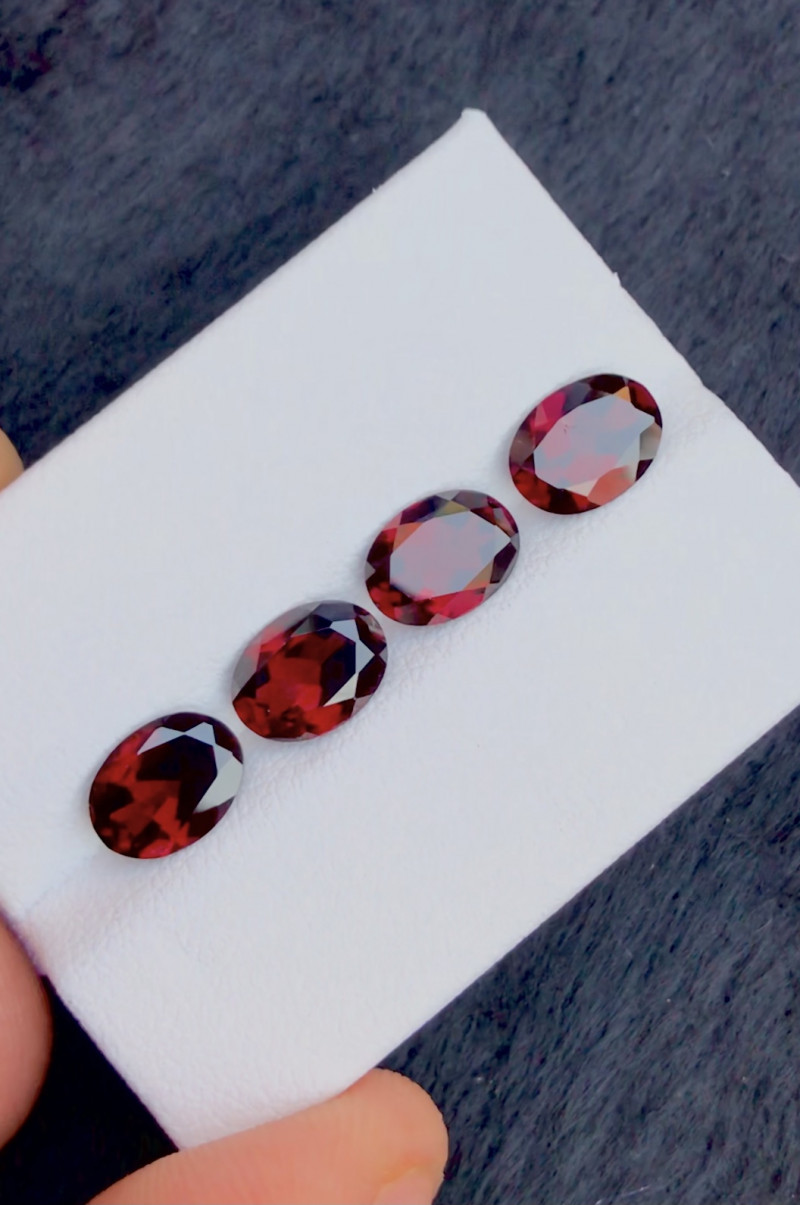 Red Color 5.70 Ct Natural Amazing Garnet .A.