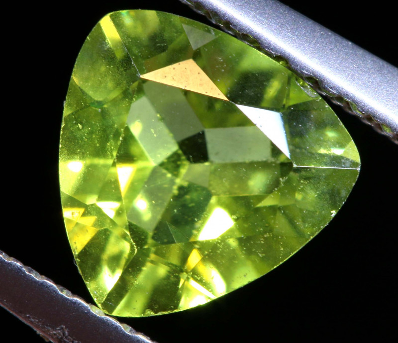 1.5 CTS  GREEN PERIDOT FACETED STONE    SG -1969  simplygems