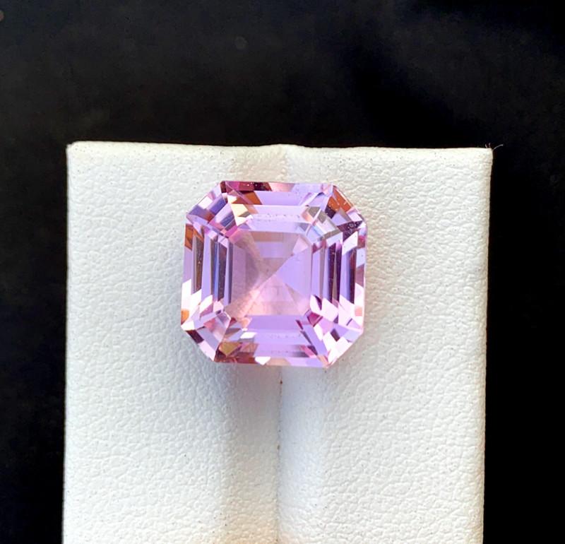 13.05 cts Natural Pink Kunzite Gemstone