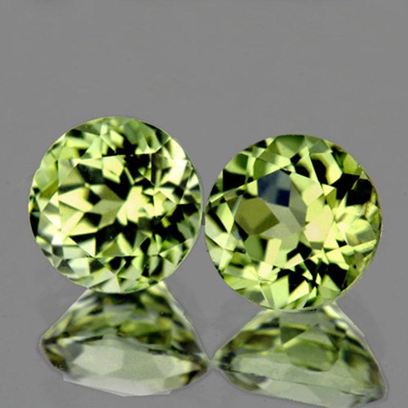 4.00 mm Round 2 pcs 0.80ct Golden Green Diaspore [VVS]