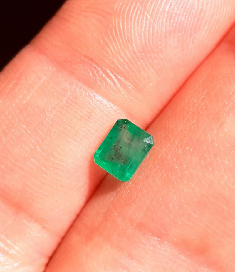 Polished Natural Brazilian emerald – 0.87 ct ( Emerald Cut)