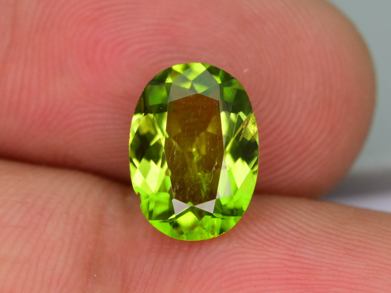 Gorgeous Color  2.90  ct Peridot Ring Size
