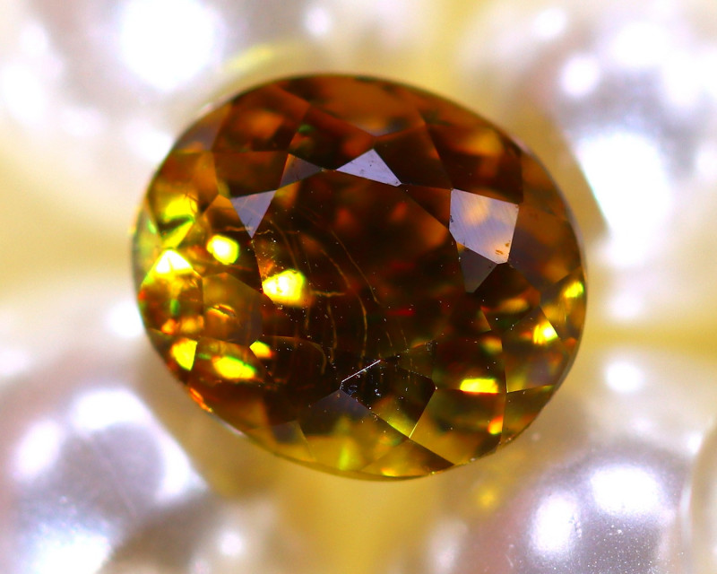 Sphene 2.80Ct Natural Rainbow Flash Chartreuse Green Sphene  DR577/A51