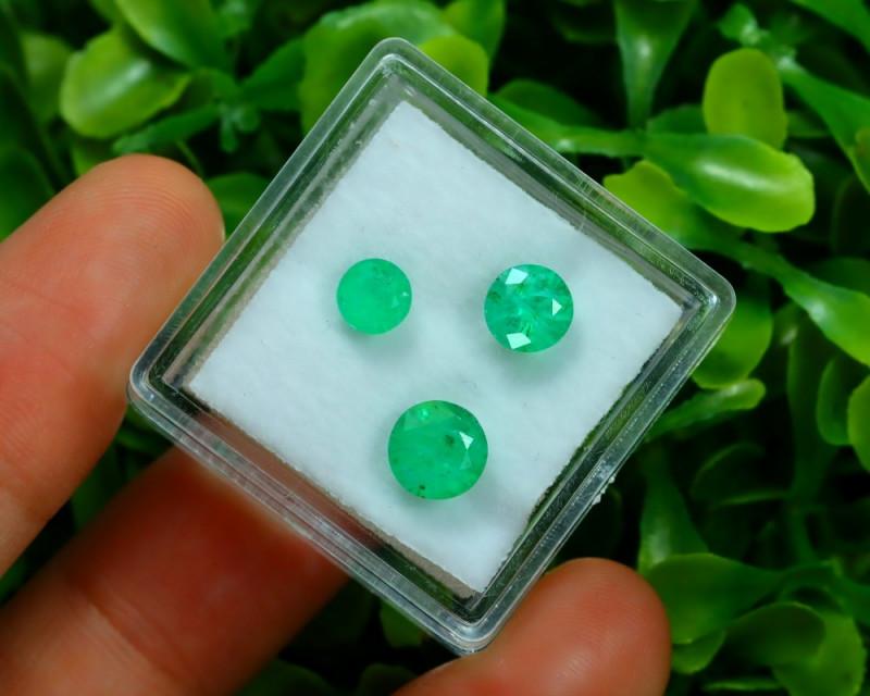 Muzo 1.94Ct 3Pcs Natural Colombian Green Color Muzo Emerald ST699