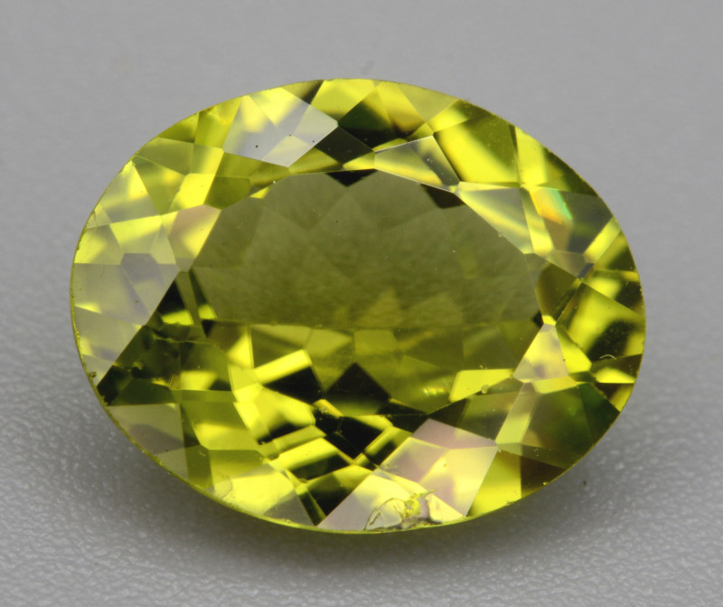 Natural Green Peridot  2.35 Cts, Top Quality Gemstone