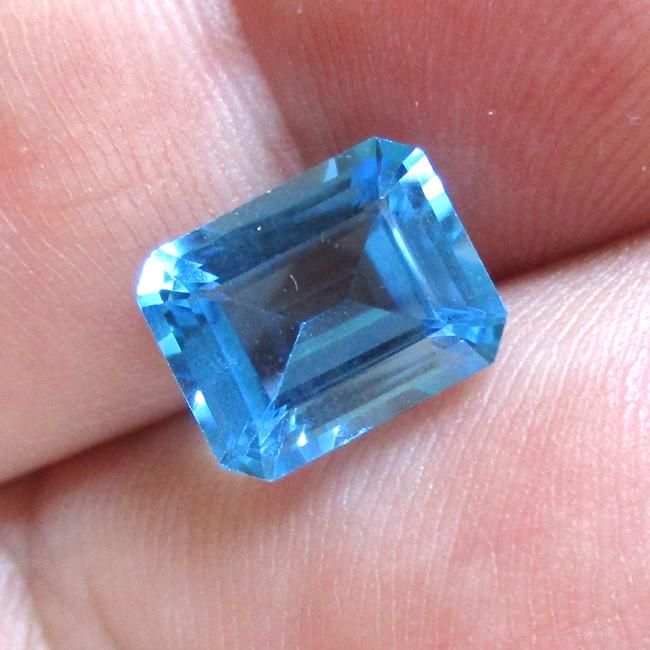4.44cts Natural Swiss Blue Topaz Emerald Cut