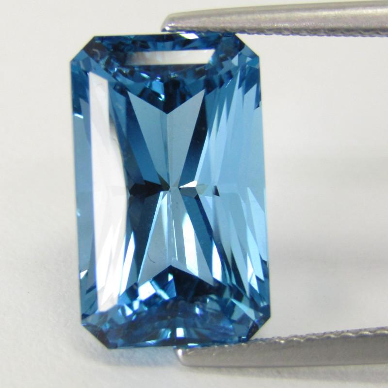 11.97Cts Sparkling Natural Swiss Blue Topaz Radiant Cut Loose Gem