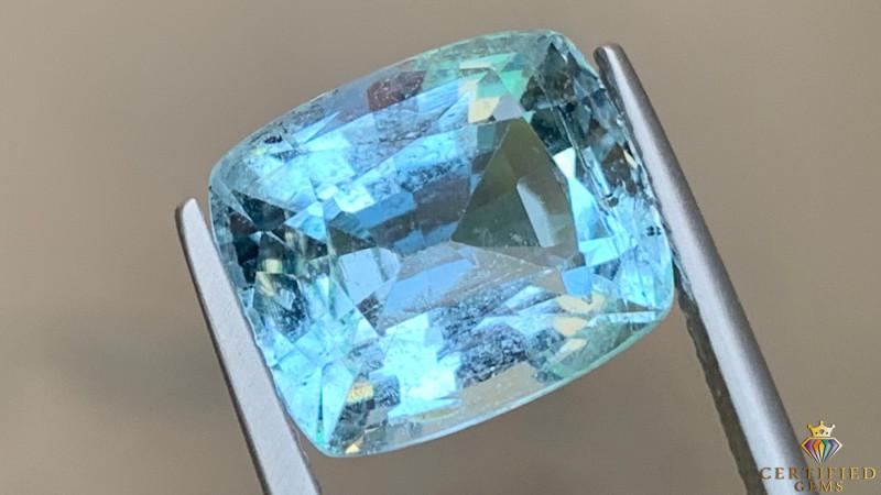 Calming Blue 8.59 carats Natural Aquamarine Gemstone