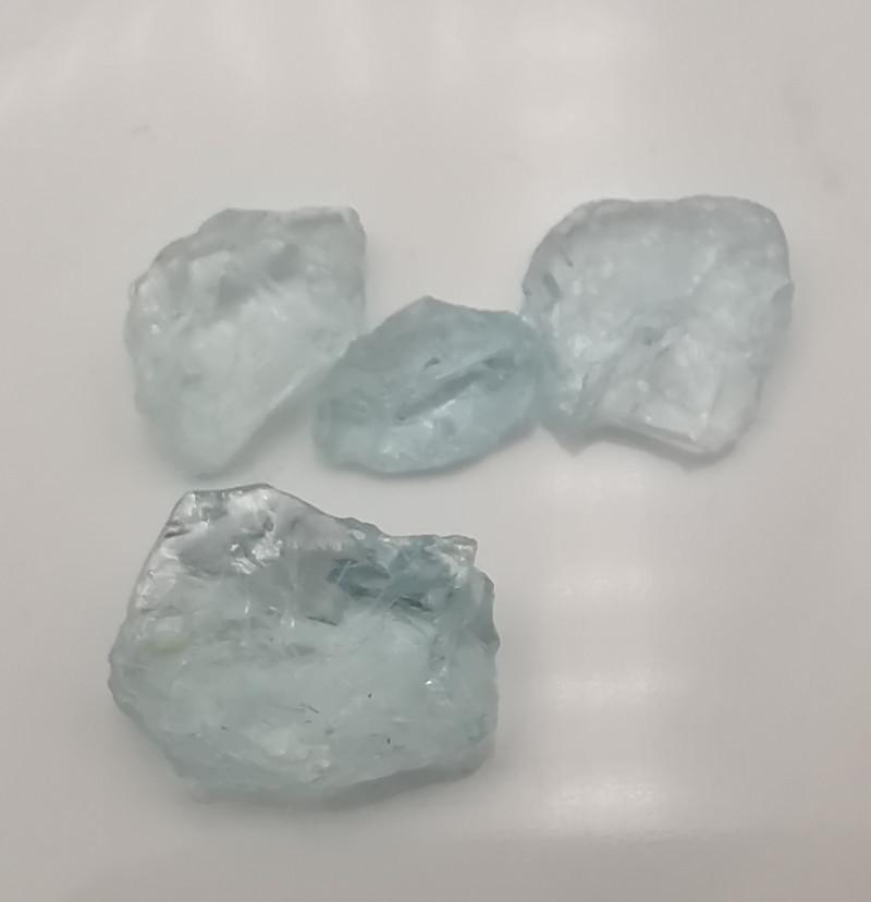 Aquamarines, 10.36ct, nice coloured rough stones!