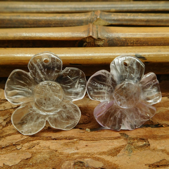 Natural gemstone carved flower pairs (G3070)