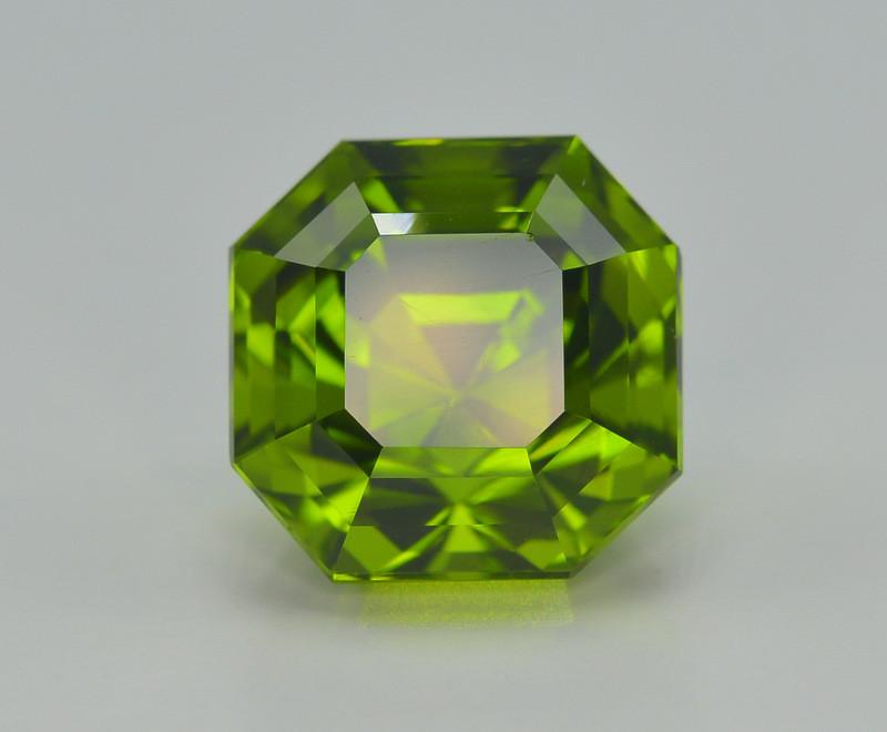 9.70 Carat Natural Grass Color Peridot Gemstone