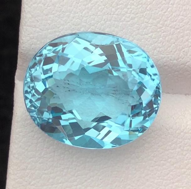 AAA Color & Cut 17.15 carats, Natural Blue Topaz